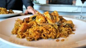 paella de boquerones, restaurantes oliva